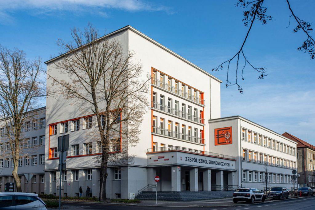 Zespół Szkół Ekonomicznych w Opolu - budynek szkoły